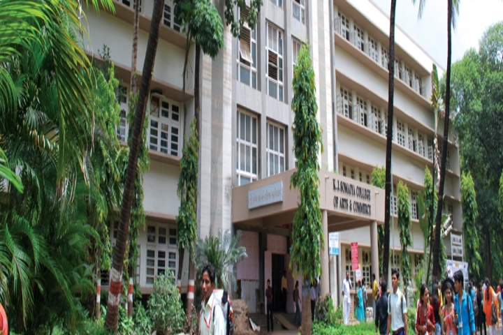 https://cache.careers360.mobi/media/colleges/social-media/media-gallery/5826/2018/10/5/Campus View of K J Somaiya College of Arts and Commerce Mumbai_Campus-View.jpg
